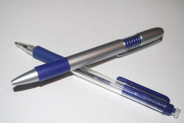 Kugelschreiber-Montage in Heimarbeit